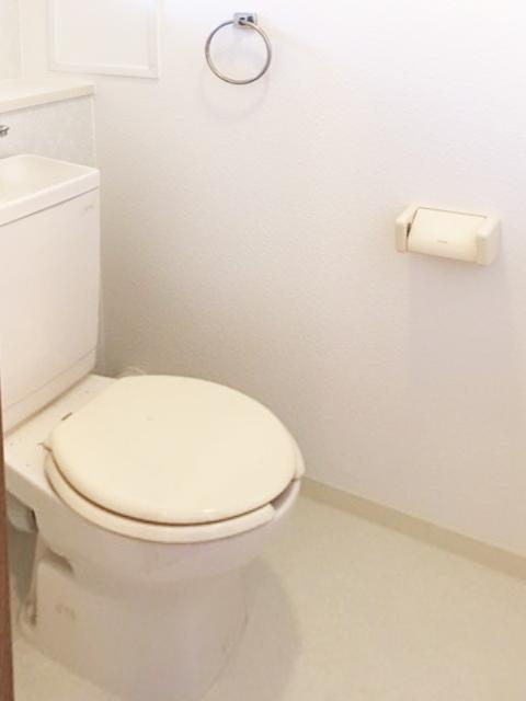 203号室トイレ