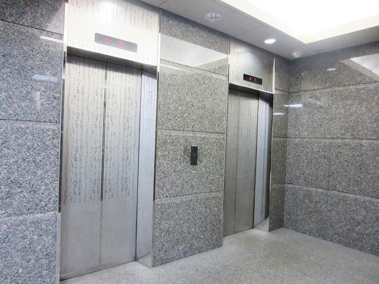 1Fエレベーター